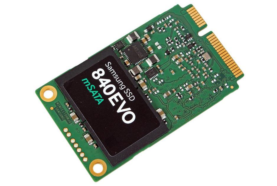 Dysk SSD z interfejsem mSATA oraz formacie M.2. Można go zamontować zarówno do komputera stacjonarnego, jak i laptopa (sprawdźmy, czy dana płyta główna obsługuje ten interfejs).