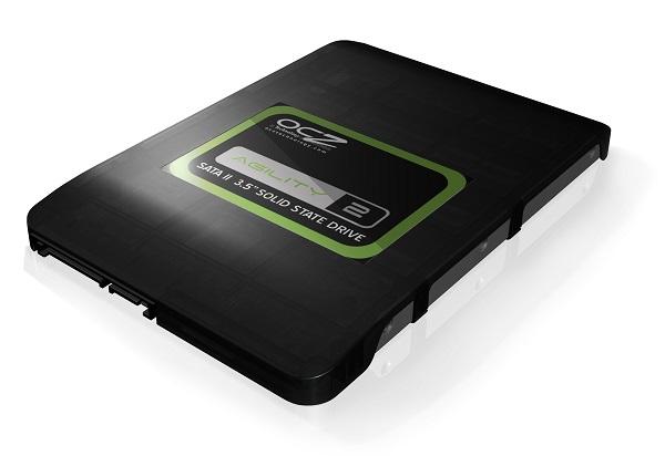 Dysk SSD z interfejsem sata II o formacie 3,5 cala - producent OCZ. Napędy tego typu przeznaczone są do komputerów stacjonarnych ze względu na swoje gabaryty. Złącze sata II ogranicza jednak przepustowość do ok. 356 MB/s.